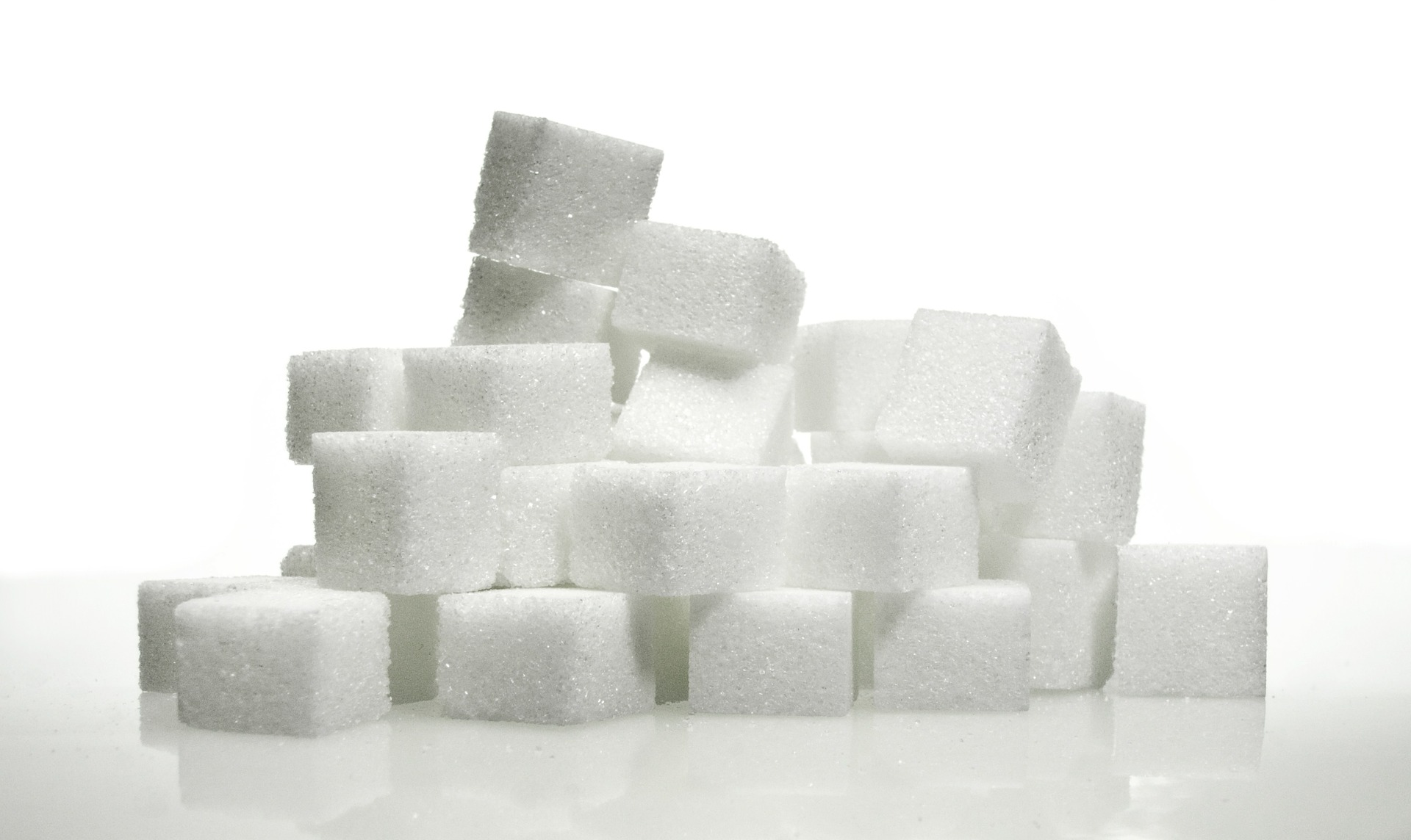 Does excessive sugar affect the immune system?